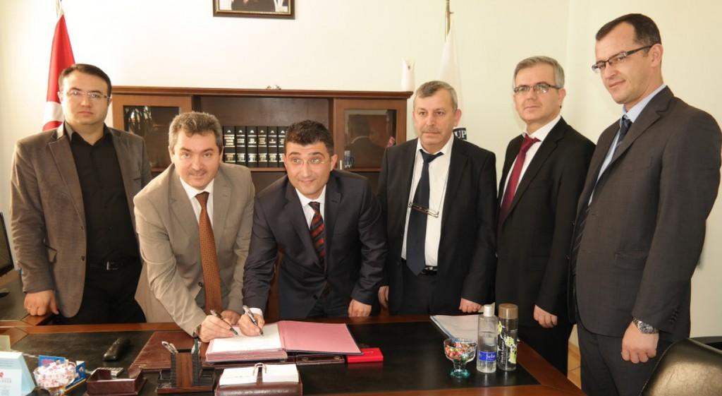 Domaniç Meslek Yüksekokulumuz, İlçe Milli Eğitim Müdürlüğü ile Eğitim İşbirliği Protokolü İmzaladı