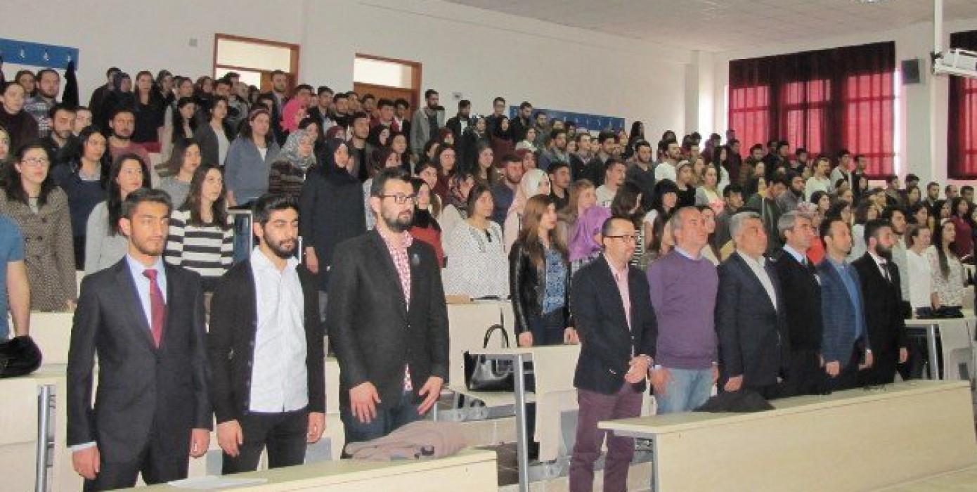 Meslek Yüksekokulumuzda Üniversiteden İş Hayatına Kişisel Marka Olmak Semineri