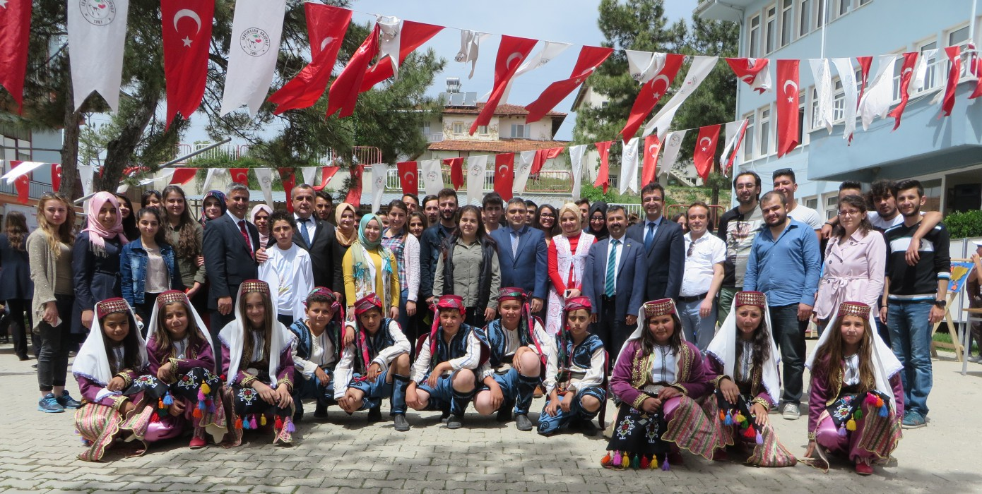 Pazarlar Meslek Yüksekokulu Sofular Ortaokulu'ndaki TÜBİTAK Bilim Fuarına Ziyarette Bulundu