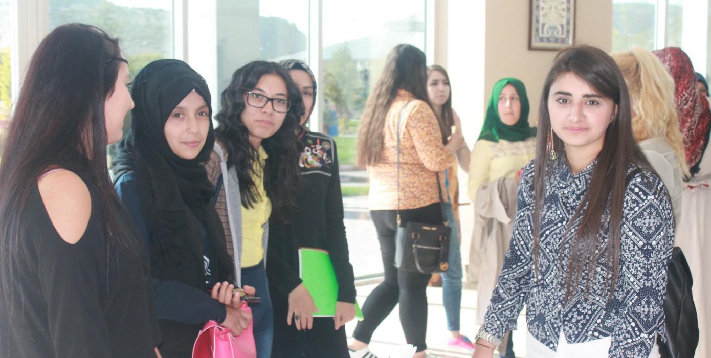 Okulumuzda Büro Yönetimi ve Yönetici Asistanlığı Bölümüne Yeni Kayıt Yaptıran Öğrencilerimize Yönelik 'Tanışma Çayı ve Oryantasyon' Programı Düzenlenmiştir.