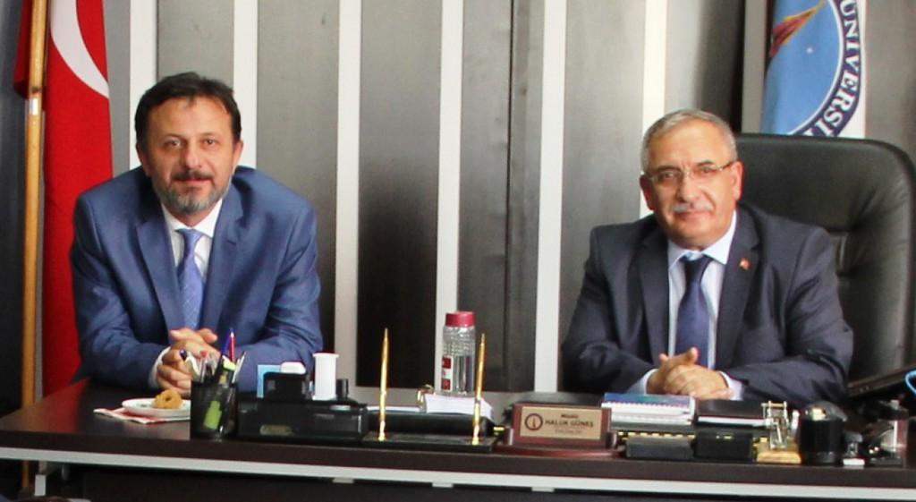 Vali Ahmet Hamdi Nayir, Rektörümüze Taziye Ziyaretinde Bulundu