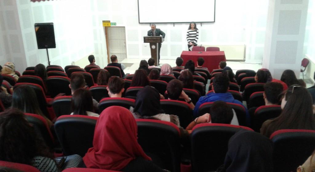 Emet Meslek Yüksekokulumuz 18 Mart Şehitleri Anma ve Çanakkale Deniz Zaferi'nin Yıldönümü Dolayısıyla konferans düzenledi.
