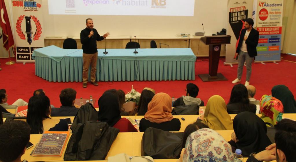 Finans Zirvesi Konferansı Düzenlendi