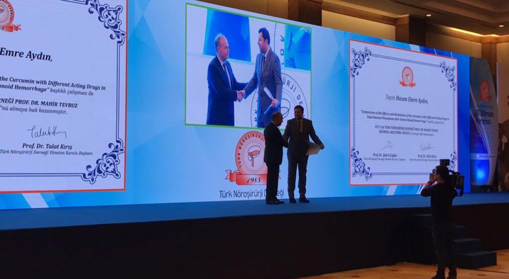 Nöroşirürji Anabilim Dalı Öğretim Üyemiz Yrd. Doç. Dr. Hasan Emre Aydın, Prof. Dr. Mahir Tevruz Bilimsel Araştırma Ödülü'nü Kazandı