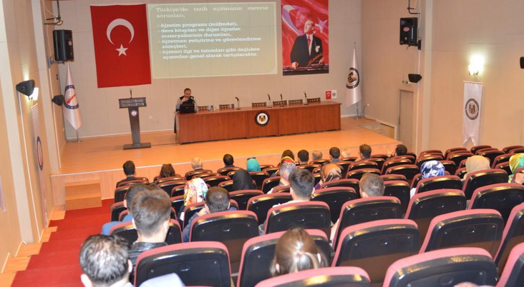 Türkiye'de Tarih Eğitiminin Sorunları Konferansı Düzenlendi