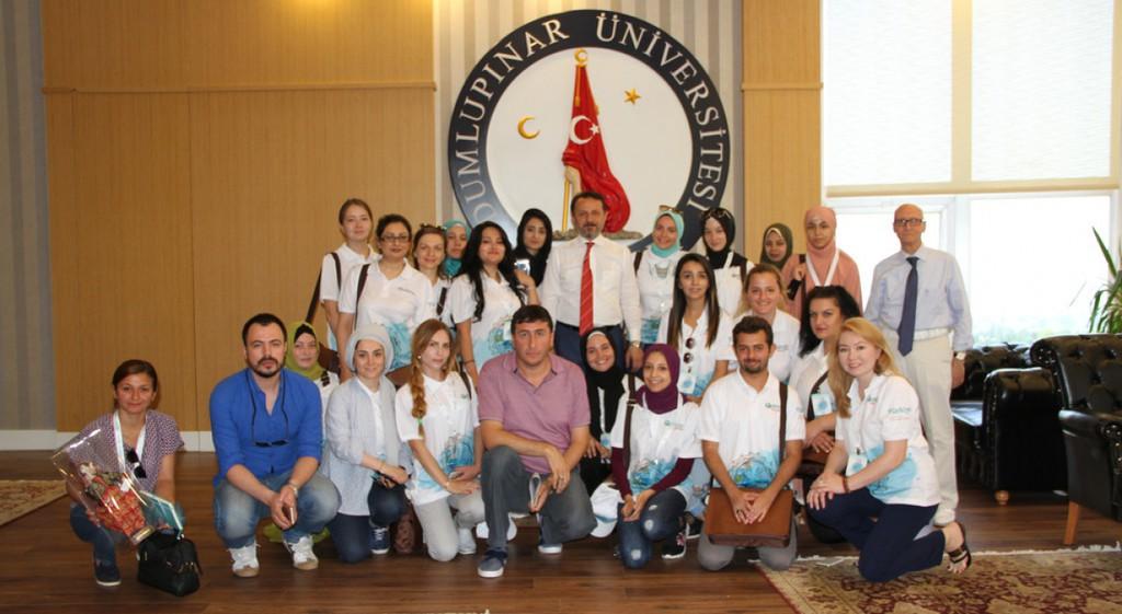 Türkçe Yaz Okulu'na Gelen Yabancı Öğrenciler Rektörümüzü Ziyaret Etti.