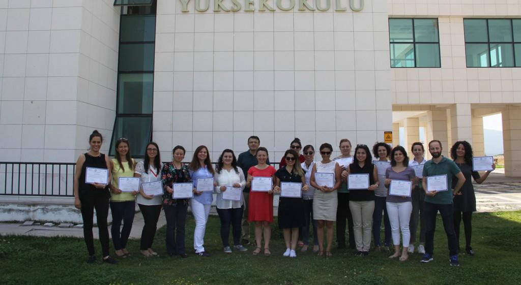 Üniversitemiz Yabancı Dil Okutmanlarına Öğrenci Koçluğu Eğitimi Verildi