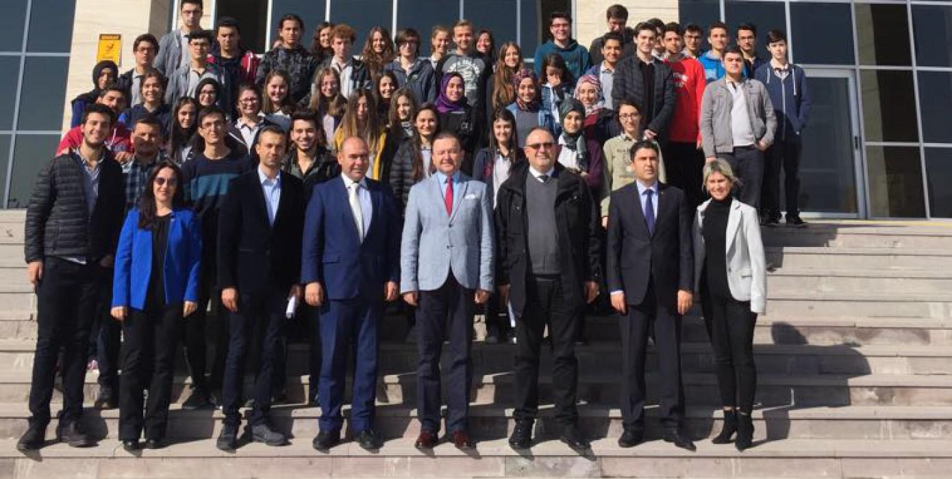 İlimiz Necip Fazıl Kısakürek Anadolu Lisesi Son Sınıf Öğrencileri Fakültemizi Ziyaret Etti.