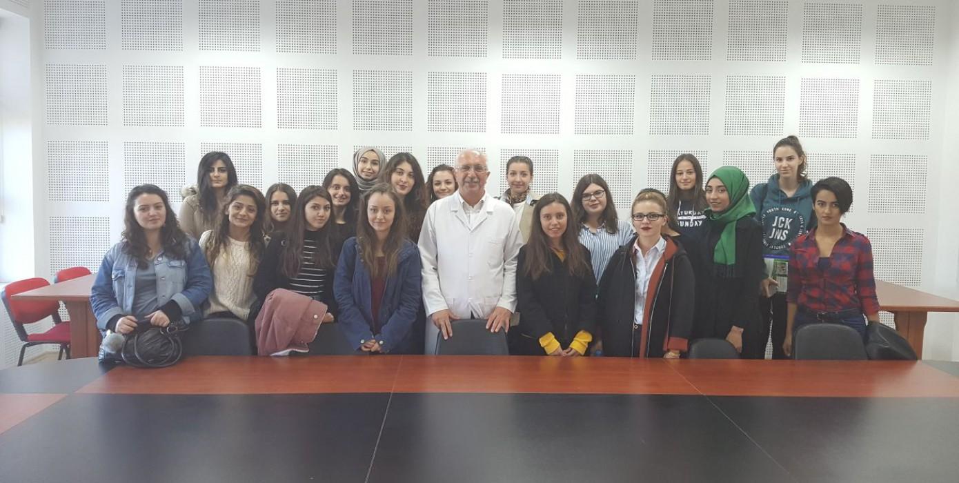 1.sınıf Kız Öğrencilerimizle Oryantasyon Toplantısı Yapıldı...