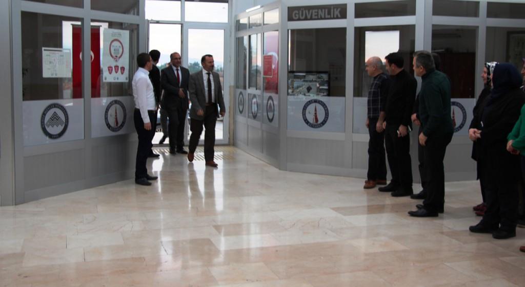 Rektörümüz Prof. Dr. Remzi Gören Meslek Yüksekokulumuzu Ziyaret Etti.
