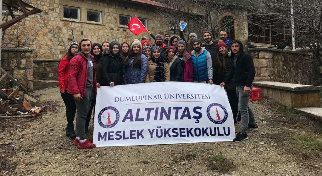 Üniversitemiz Altıntaş Meslek Yüksekokulu Öğrencileri Murat Dağında Kamp Yaptı