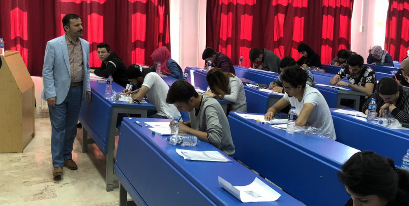 Üniversitemiz Yabancı Uyruklu Öğrenci Sınavı'na (Dpüyös) 79 Ülkeden Rekor Başvuru