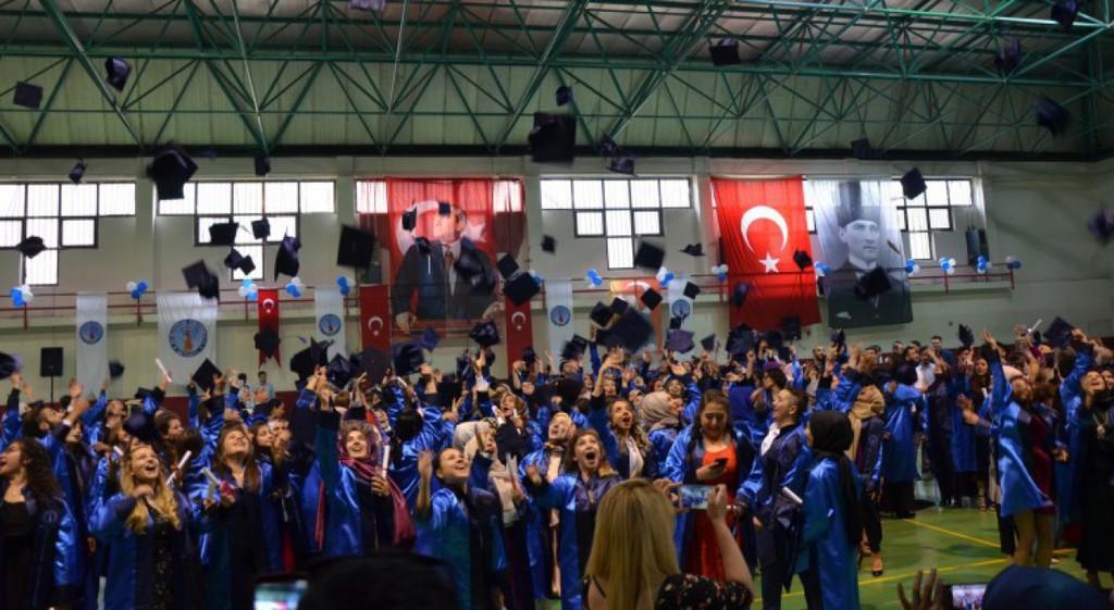 Emet Meslek Yüksekokulu 250 Mezun Verdi