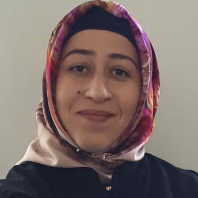 Esra Uyar