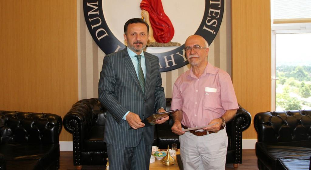 Dr. Mehmet Nuri Uygun'dan Rektörümüze Nazik Ziyaret