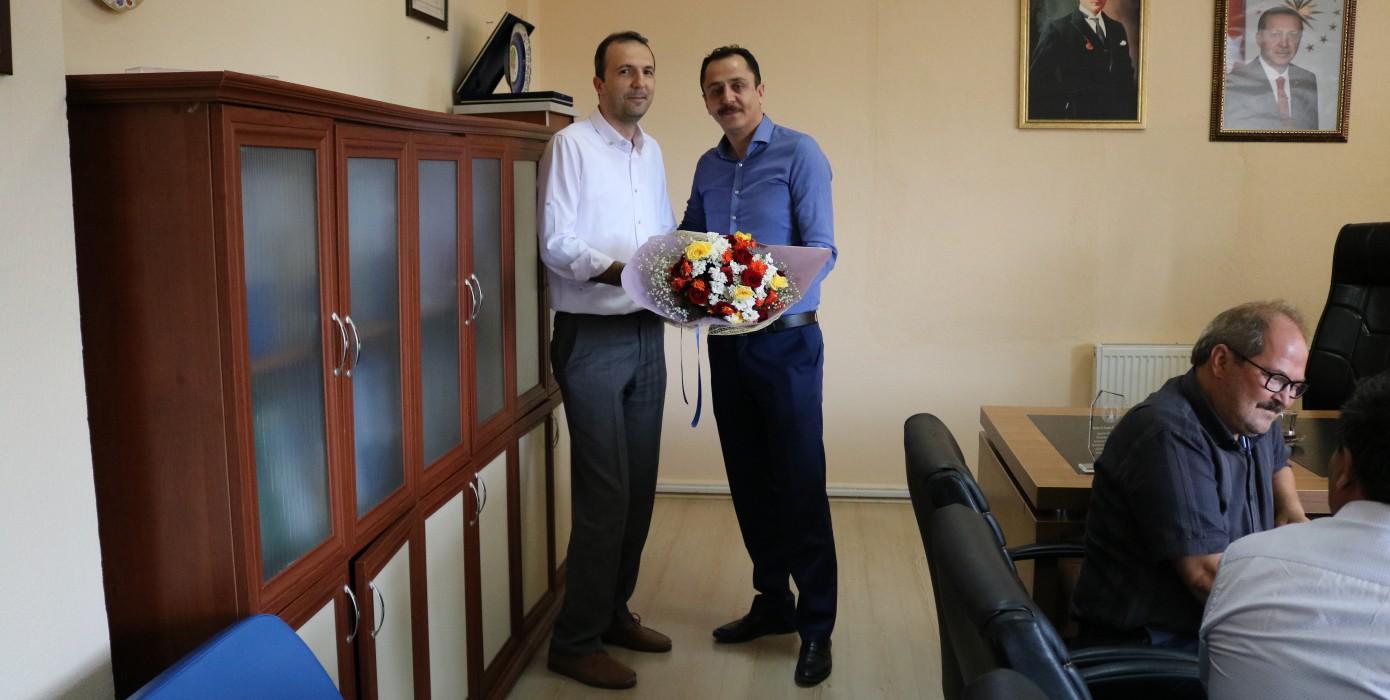 Meslek Yüksekokulu Müdürlüğümüz Görevine Atanan Serdar Karaz Görevi H. Feyyaz Ebeoğlugil'den Devraldı