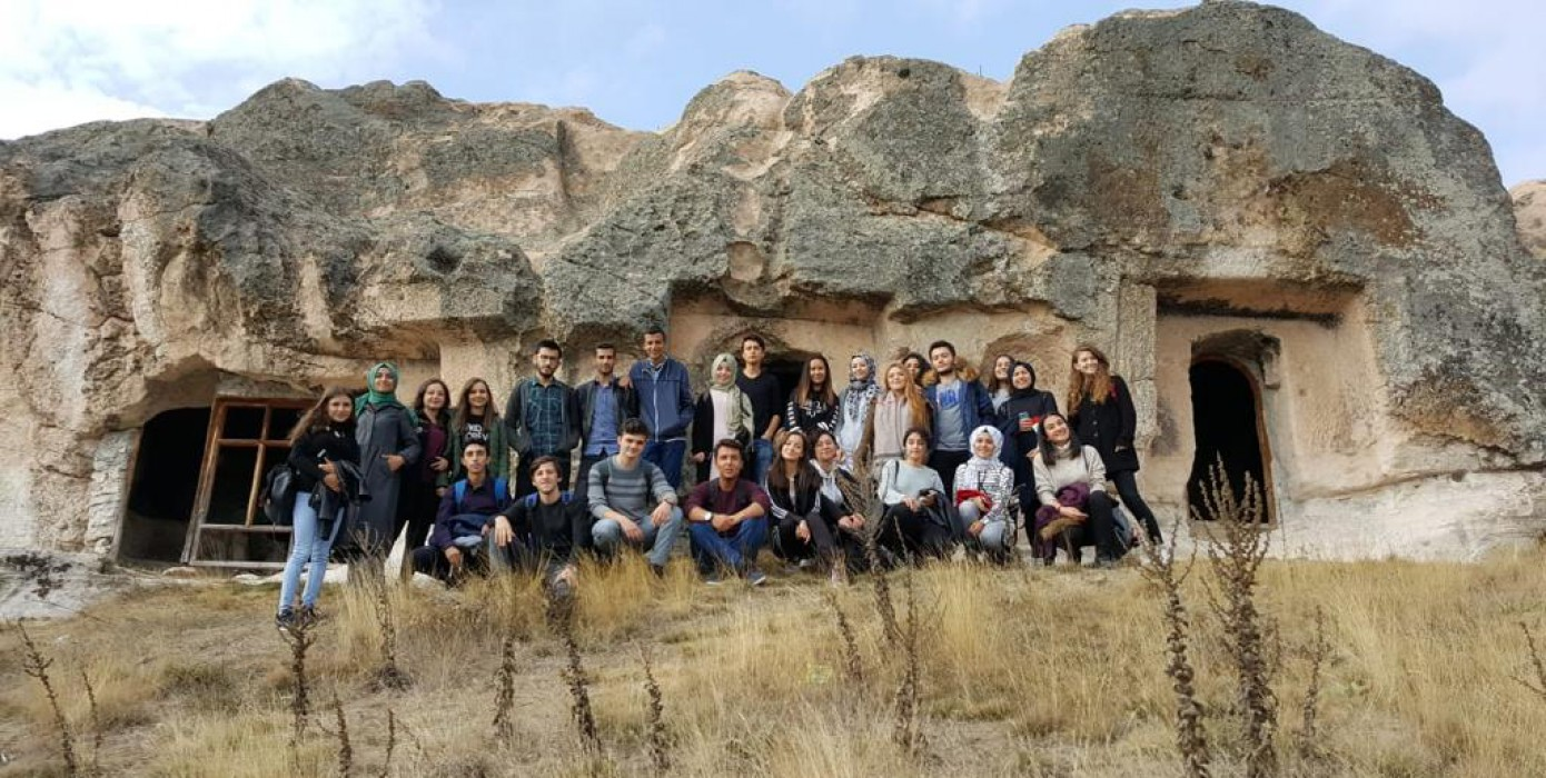 Öğrencilerin Frig Vadisi ve Çevresi Gezisi