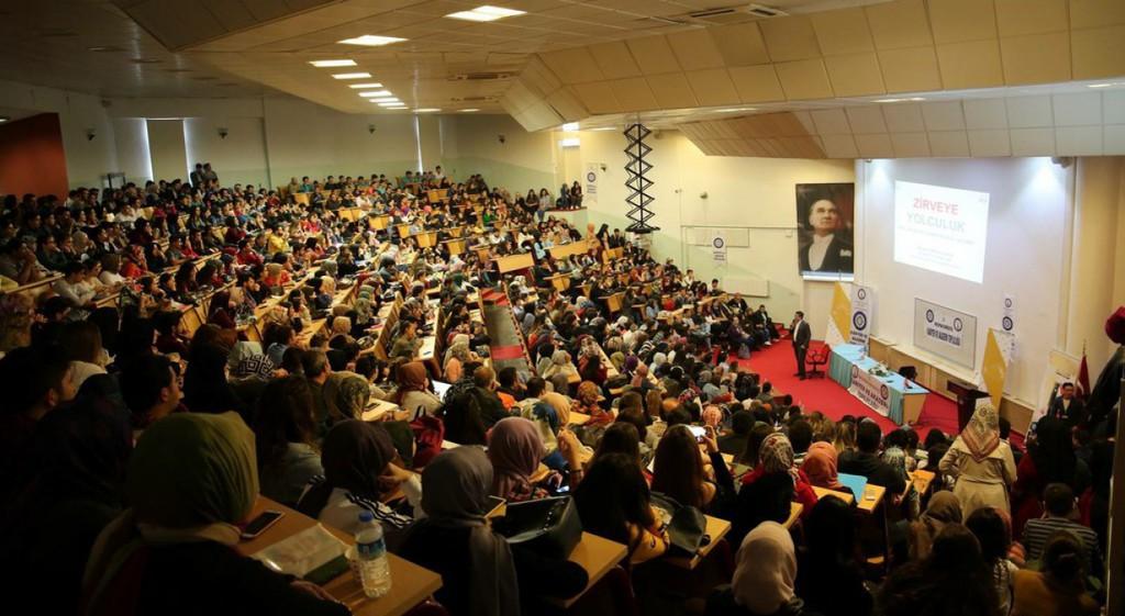 DPÜ'de Zirveye Yolculuk Konferansı