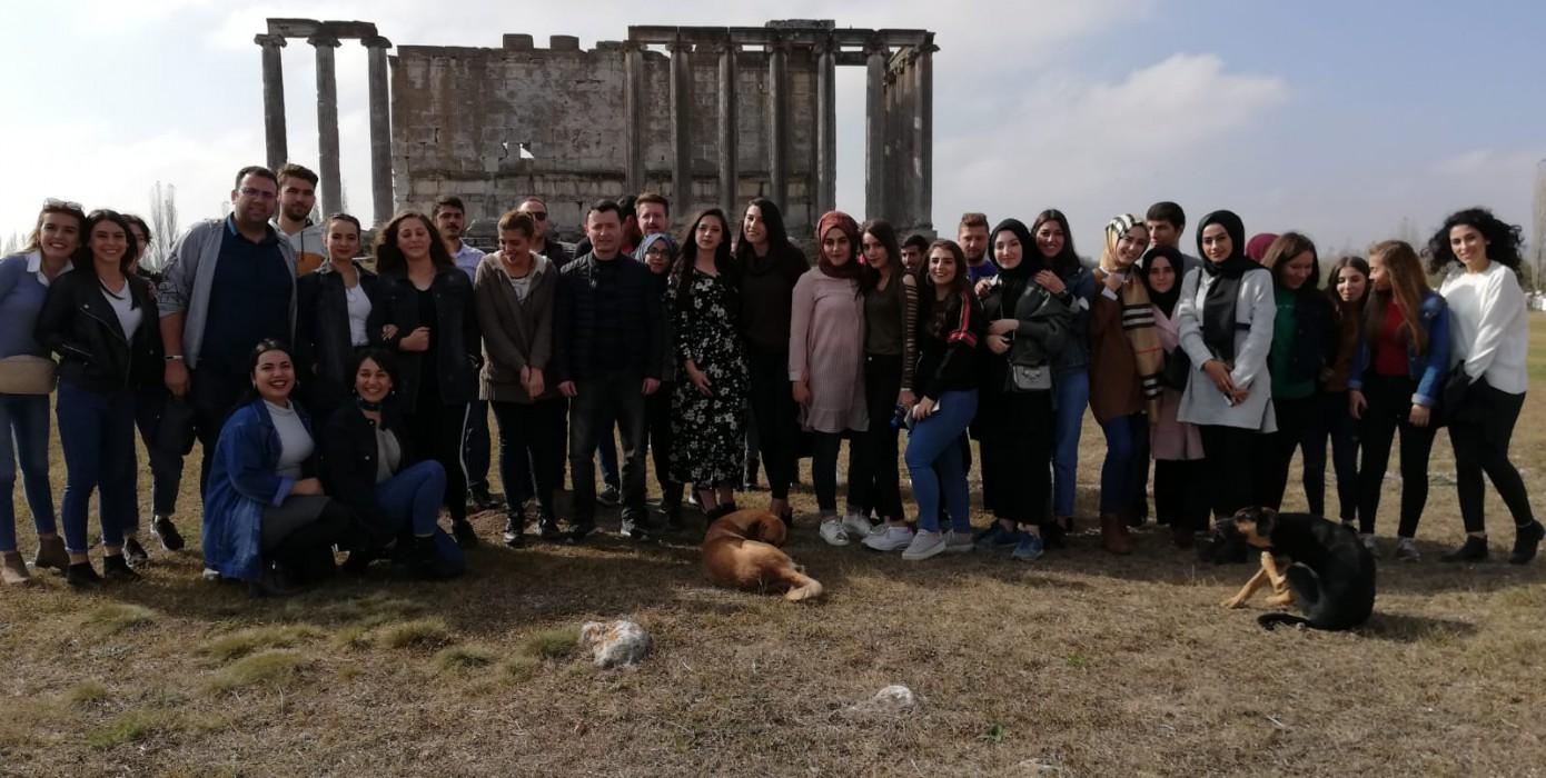 Meslek Yüksekokulumuz Öğrencilerinden Aizonai Antik Kenti'ne Kültürel Gezi