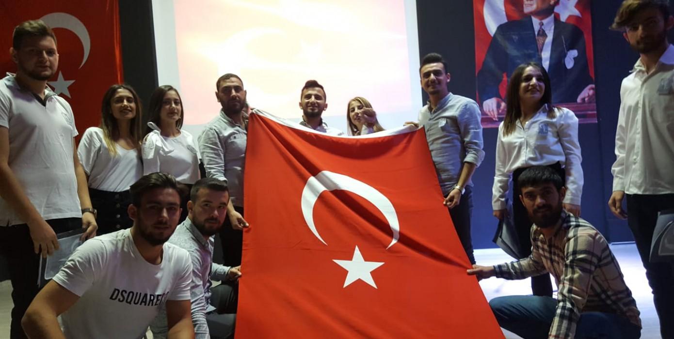 Öğrencilerimiz Cumhuriyet Bayramı Etkinliği Düzenlediler.