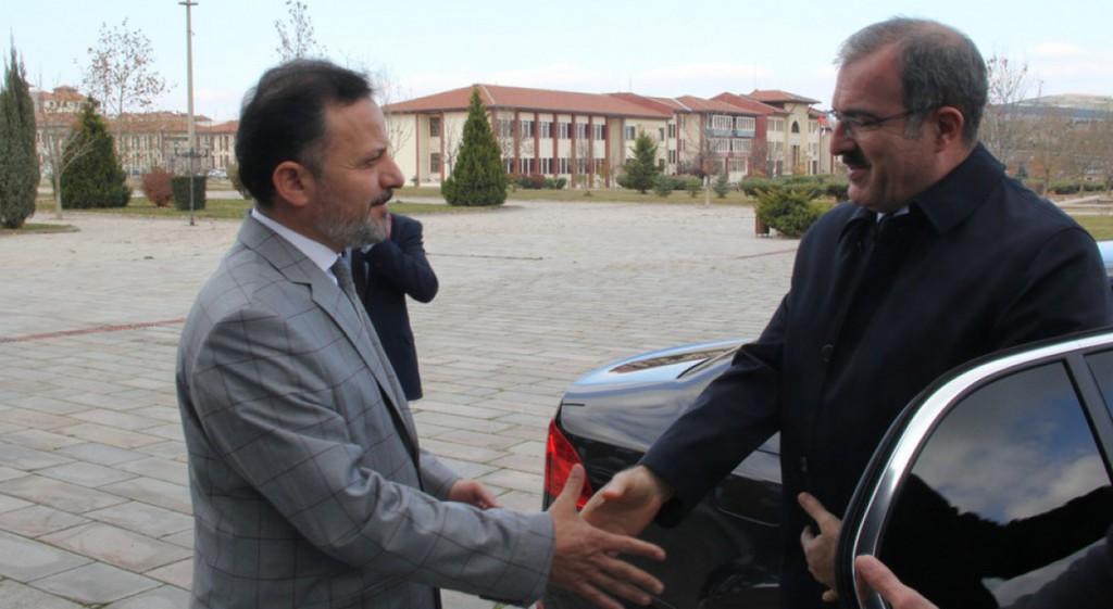 Kütahya Valisi Ömer Toraman'dan Rektörümüze Teşekkür Ziyareti