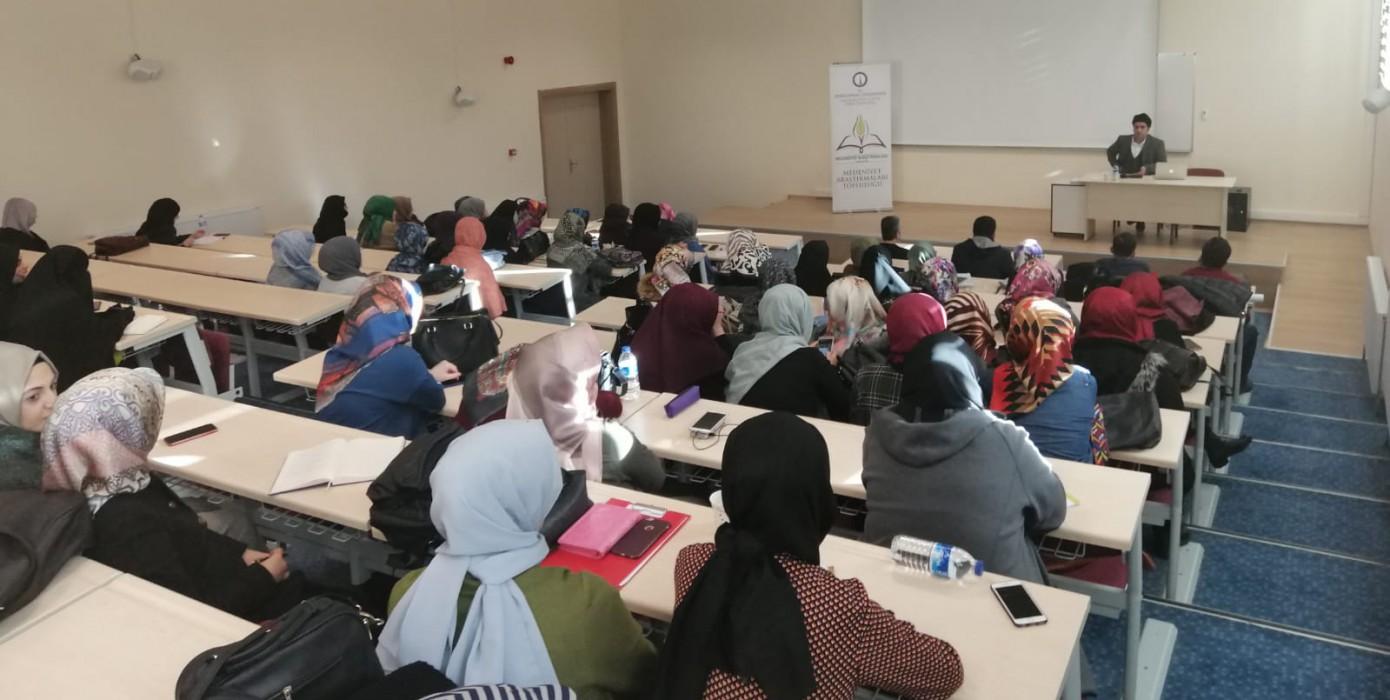 İslam Düşünce Tarihinde Akıl Tasavvurları Konulu Konferans Gerçekleştirildi