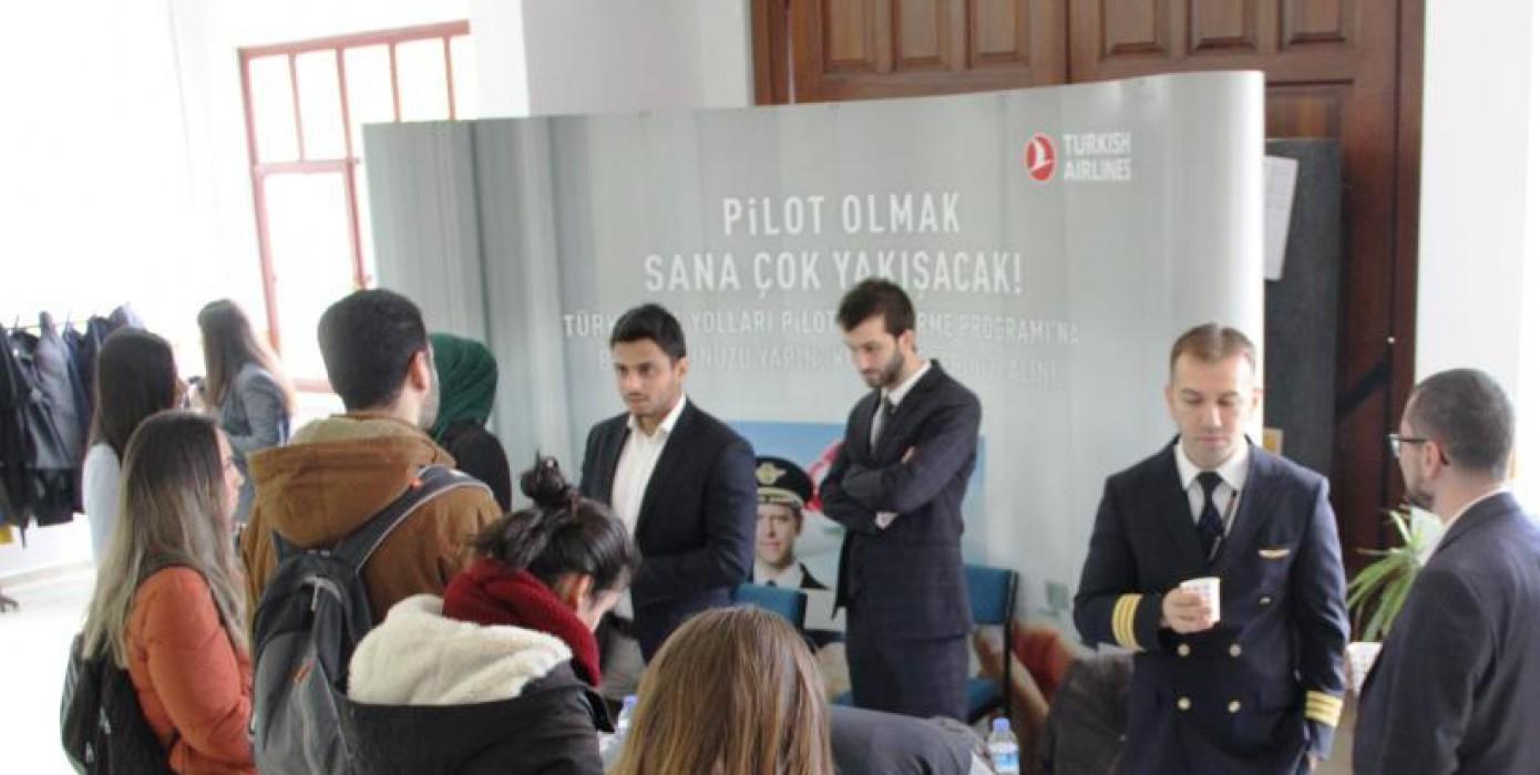 Türk Hava Yolları Pilotluk Mesleğini ve Kariyer İmkanlarını Üniversitemizde Tanıttı