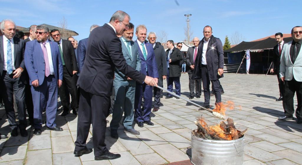 Nevruz Ateşi DPÜ'de Yakıldı