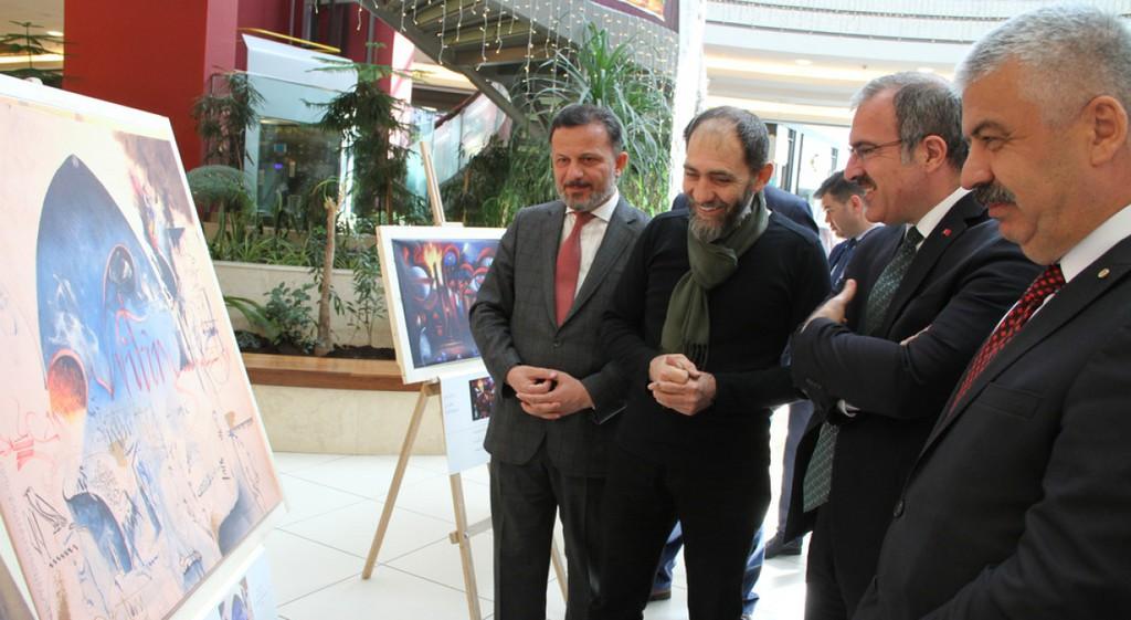 Vali Toraman ve Rektör Gören Kelimenin Kalbi Sergisi'nde
