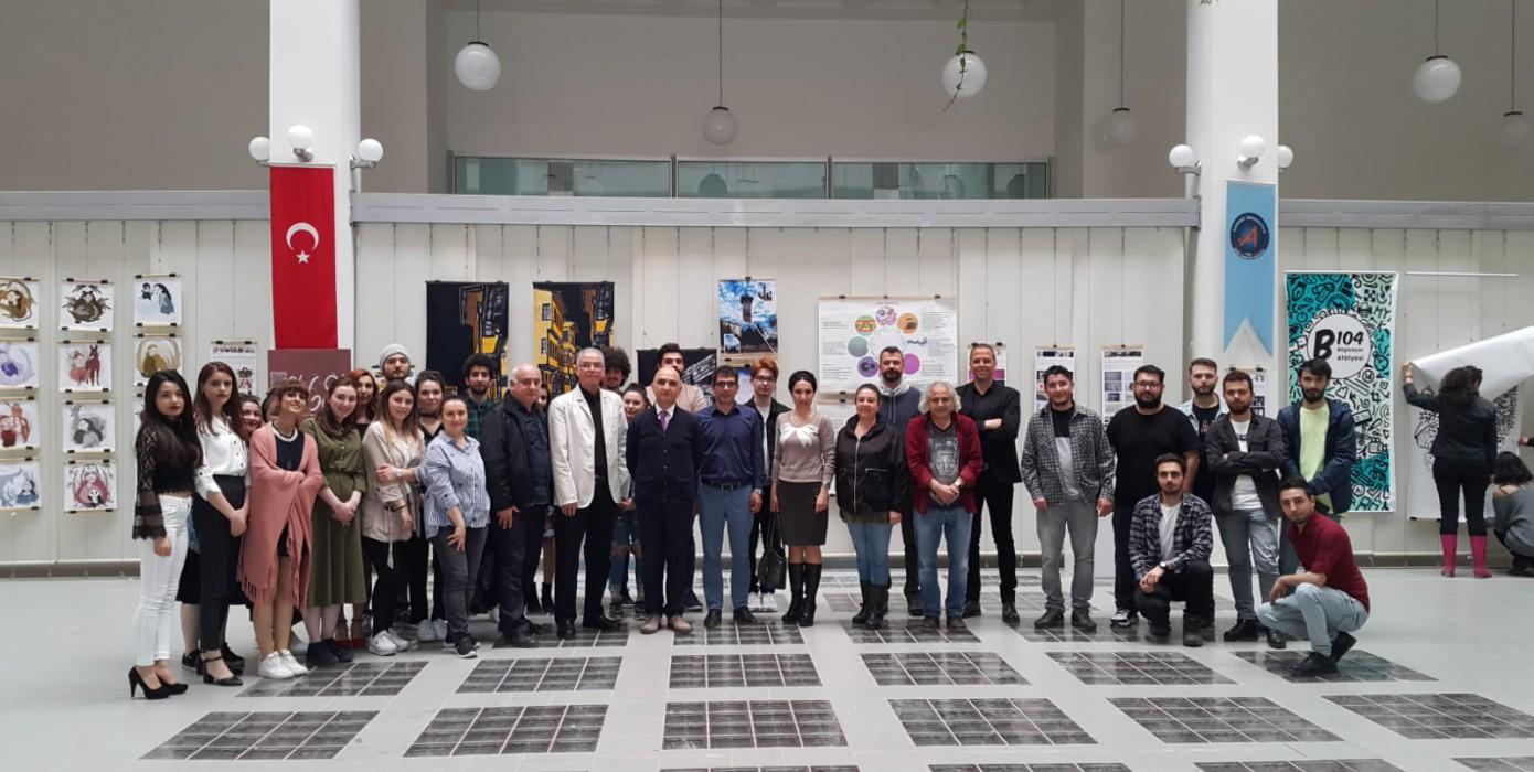 Güzel Sanatlar Fakültesi Görsel İletişim Tasarımı Bölümü 4. Sınıf Öğrencileri Akdeniz Üniversitesinde 16. Grafik Tasarım Ürünleri Sergisi Açtı