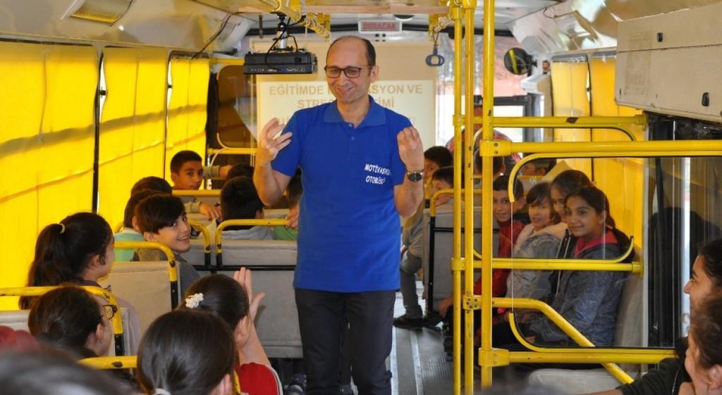 Öğr. Gör. Kudret Armağan'dan Motivasyon Otobüsü'nde Seminer