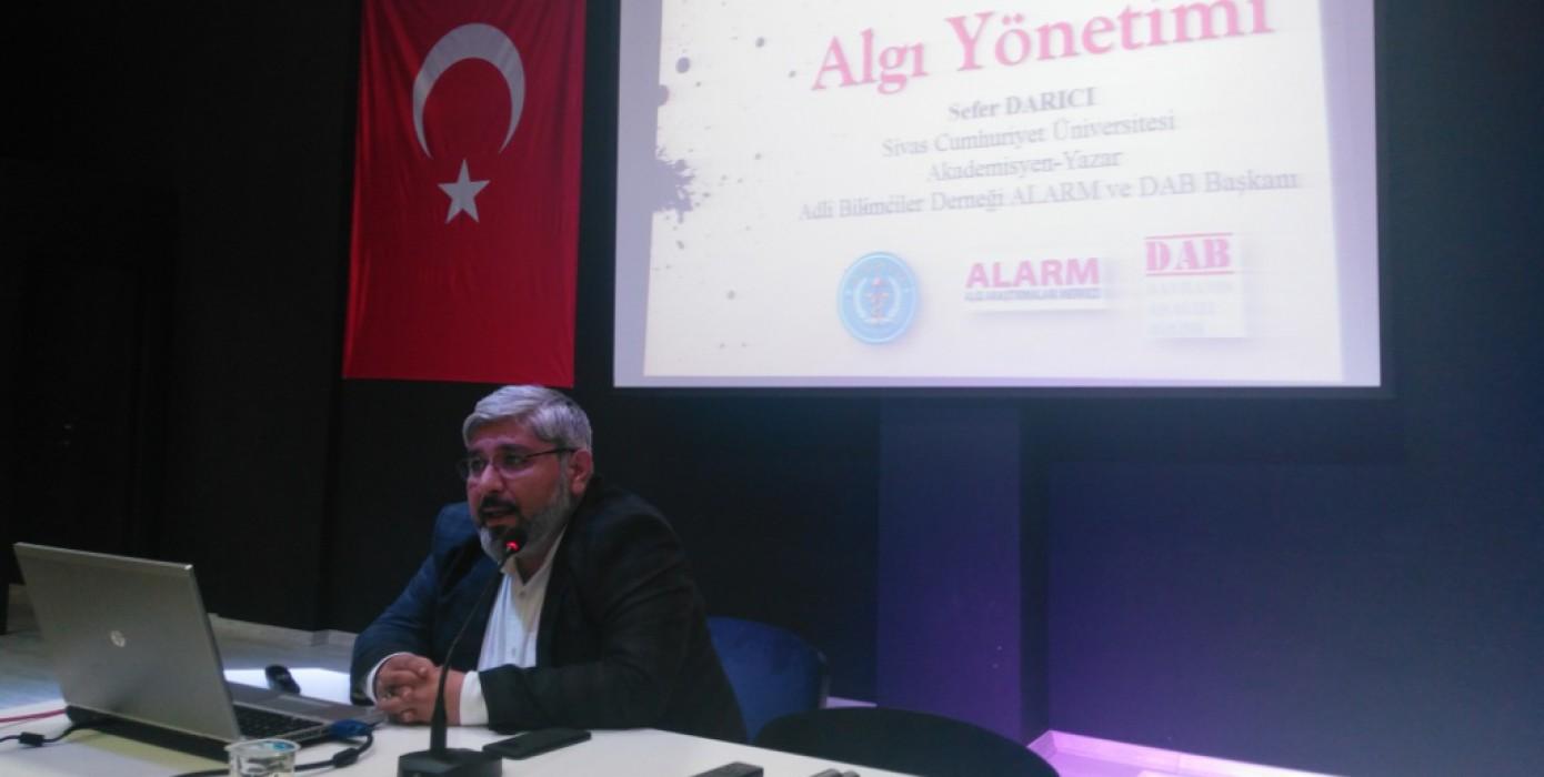 """""""Dijital Kültür ve Algı Yönetimi"""" Konferansı Düzenlendi"""
