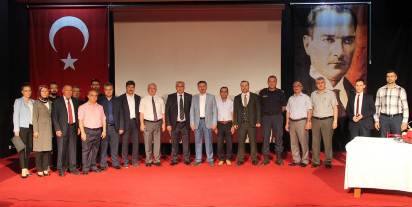 15 Temmuz Darbe Girişimi ve İslam Coğrafyasına Yansımaları Konferansı Düzenledi