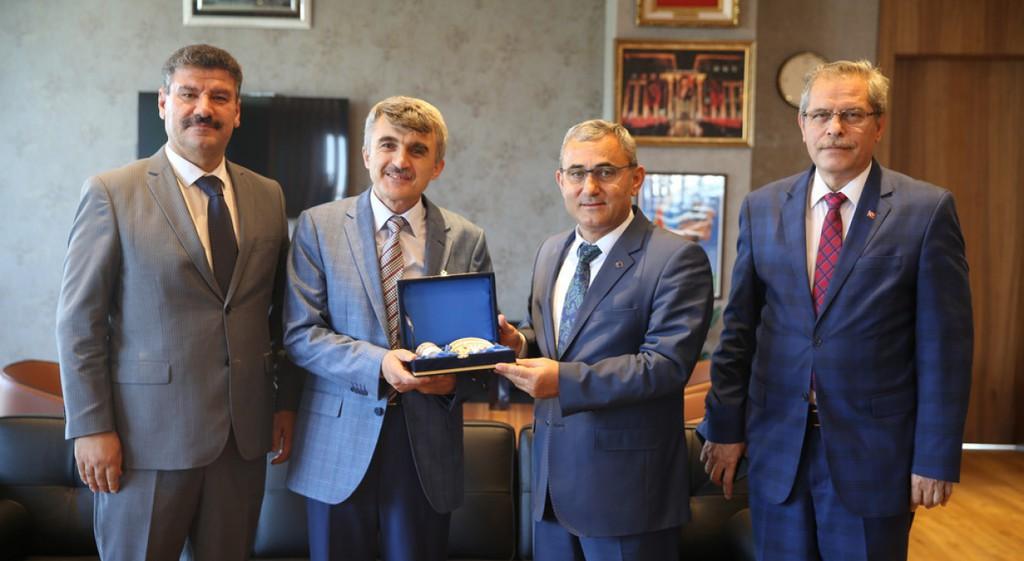 Rektörümüzden Prof. Dr. Alim Işık'a Ziyaret