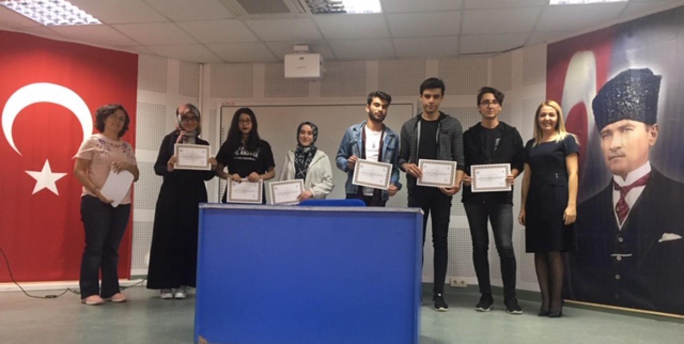 Oryantasyon Programı Katılım Belgeleri Öğrencilere Törenle Dağıtıldı