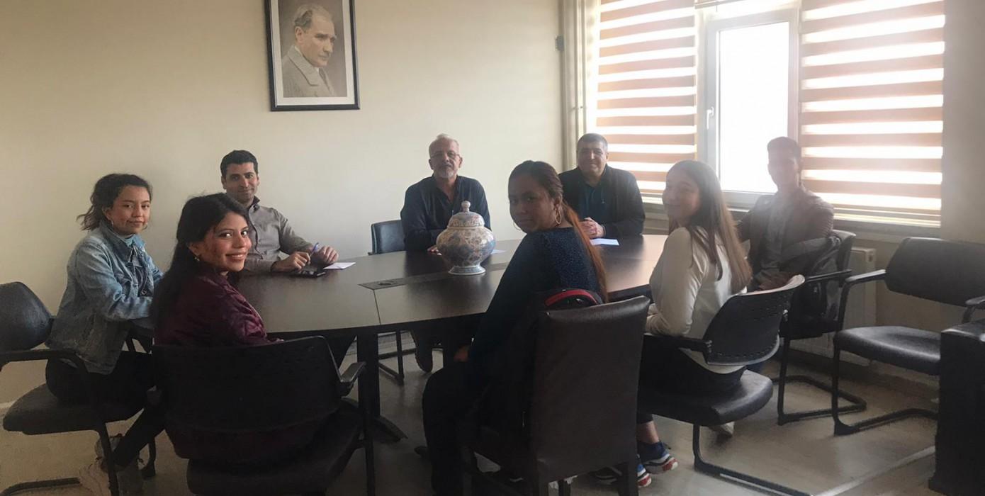 Uluslararası Öğrencilerle Değerlendirme Toplantısı Yapıldı