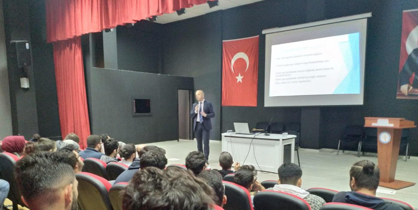 Domaniç Hayme Ana Myo'da, Sigortacılık Sektöründe Güncel Gelişmeler Konferansı Verildi.