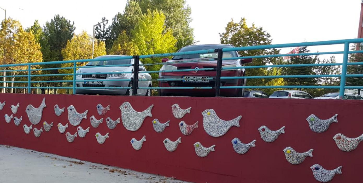 Kütahya Güzel Sanatlar MYO Mimari ve Dekoratif Sanatlar Bölümü Öğrencilerinden Çini-mozaik Uygulamarı