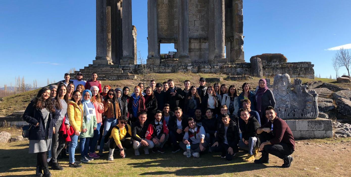 Turist Rehberliği Programı 1. Sınıf Öğrencilerinin Çavdarhisar, Aizanoi Antik Kent Gezisi
