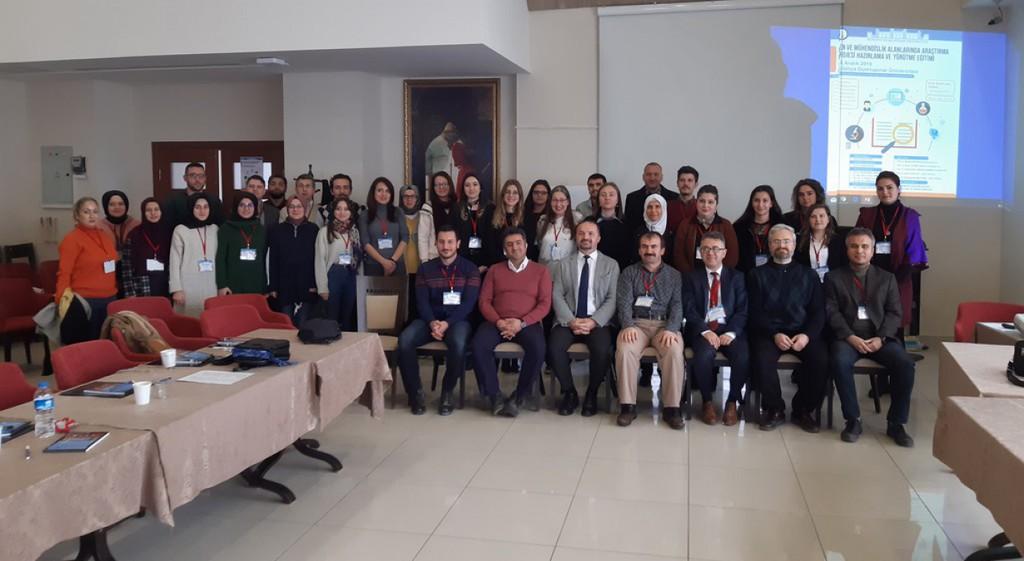 DPÜ'de Fen ve Mühendislik Alanlarında Proje Eğitimi Verildi