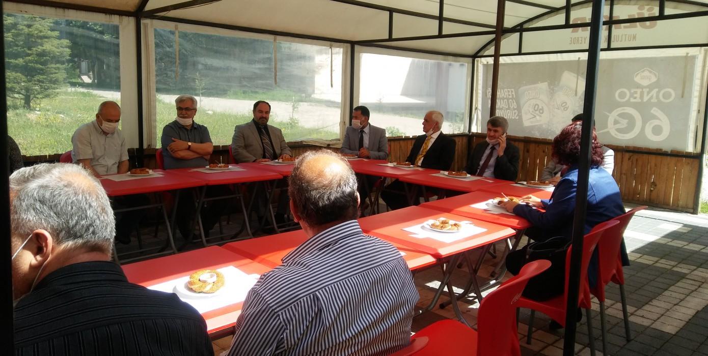 Sosyal Mesafeye Uyularak Kahvaltılı Toplantı Yapıldı