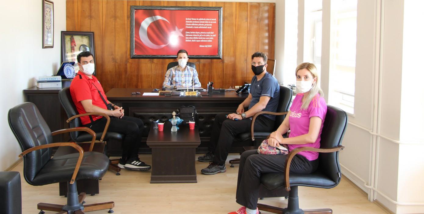 Gediz Gençlik ve Spor İlçe Müdürü Muhammed Keskin, Gediz MYO Müdürü Dr. Öğr. Üyesi Mustafa Kavasoğlu'nu Makamında Ziyaret Etti.