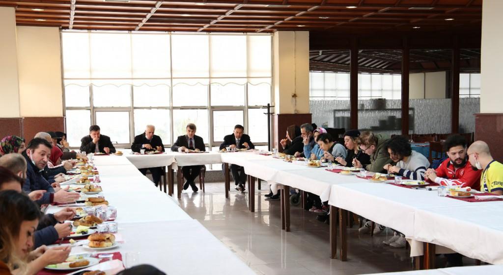 DPÜ Engelli Öğrenci Biriminden Kahvaltı Etkinliği