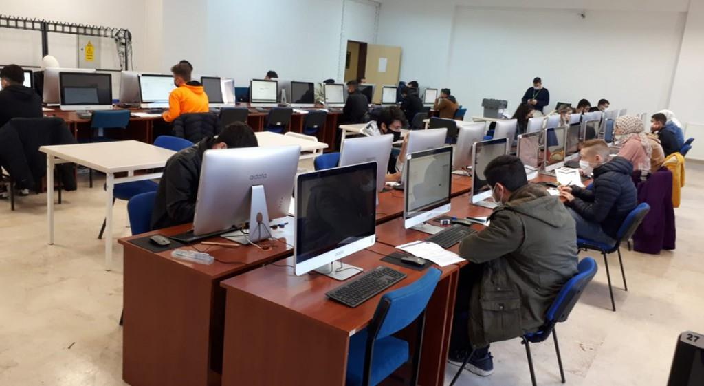 DPÜYÖS Sınavı İlk Kez Bilgisayar Tabanlı Olarak Gerçekleştirildi
