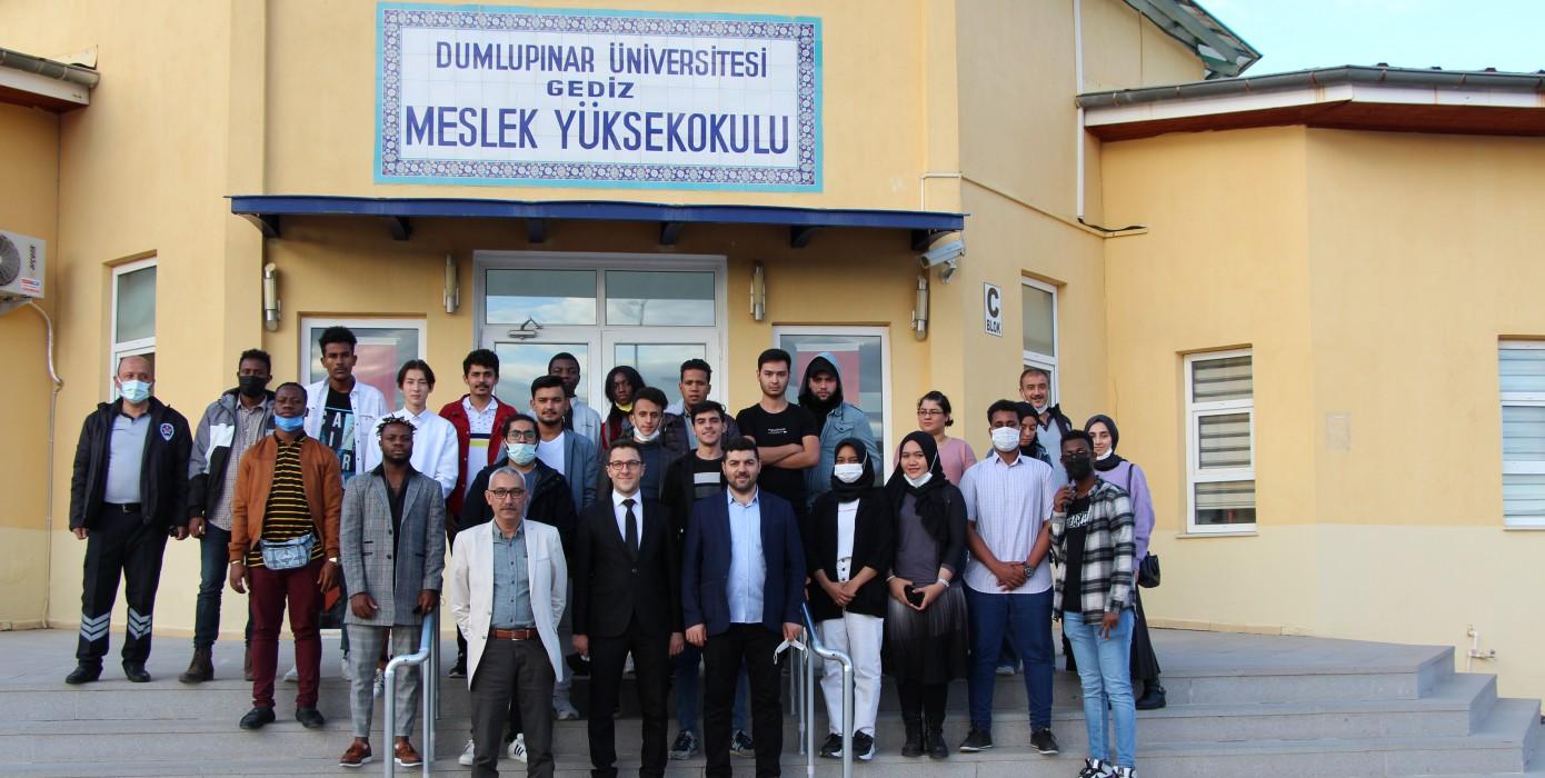 43 Ülkeden 43 Öğrenci