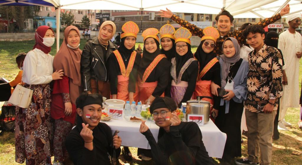 DPÜ TÖMER Öğrencileri Kültürlerini Kütahya Halkına Tanıttı