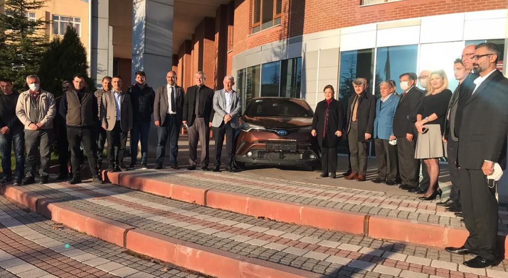 Toyota Türkiye'den Üniversitemize Otomobil Bağışı